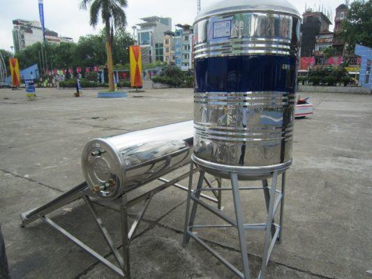 Hàn khung giá, hoặc xây trụ nâng bồn cao thêm từ 60 - 80 cm